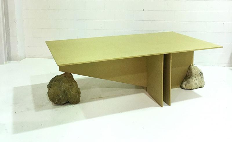 Diseño de interiores, mesa on the rocks