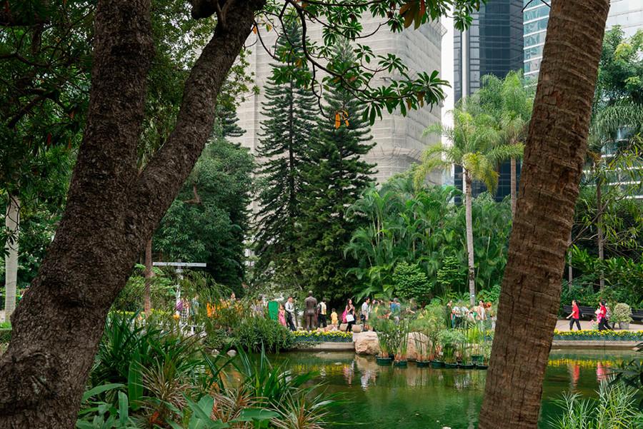 Instalación de Antony Gormley Event Horizon en Hong Kong, vista 12