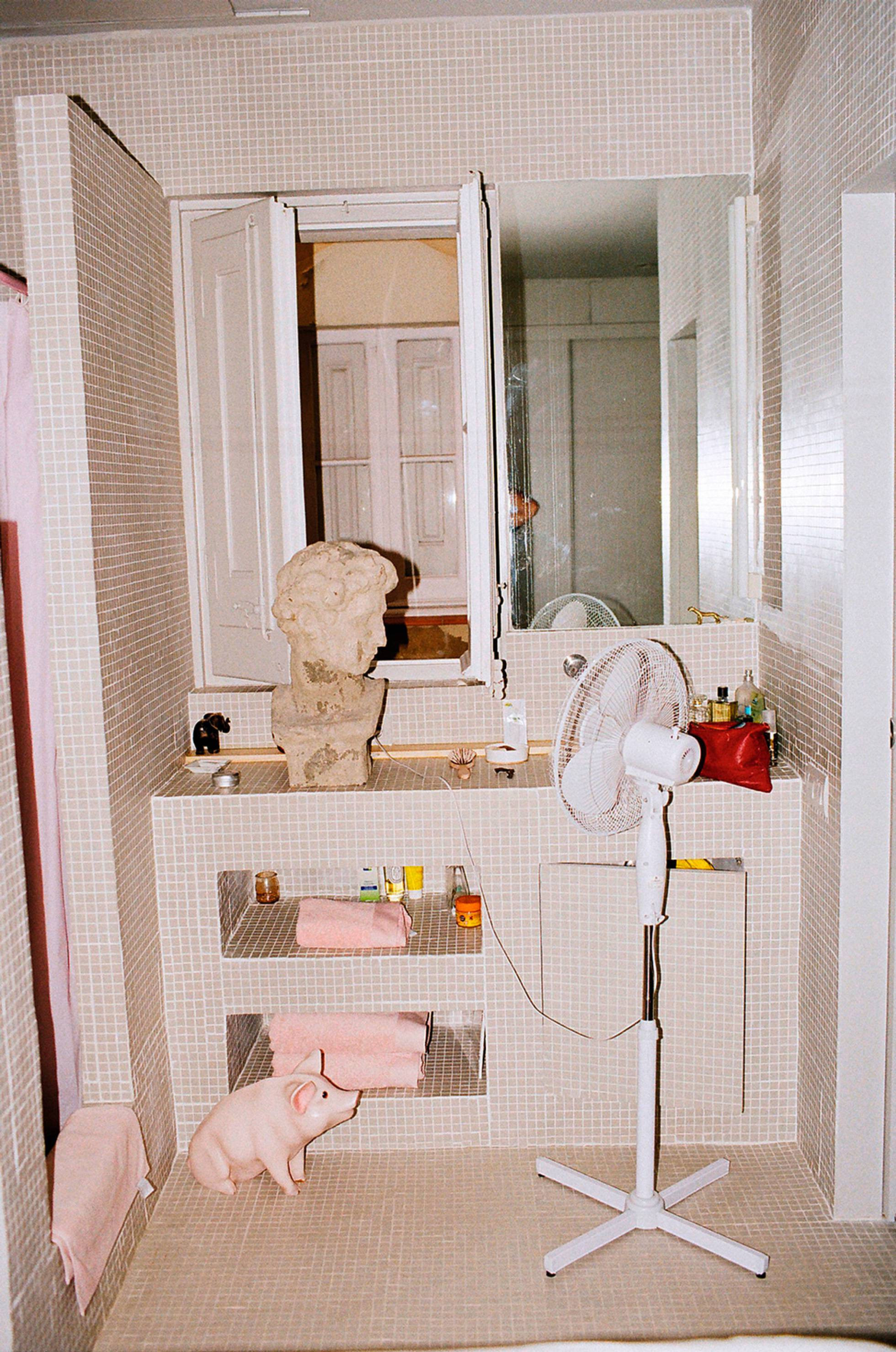 Diseño de interiores, el baño de la casa de Max Enrich