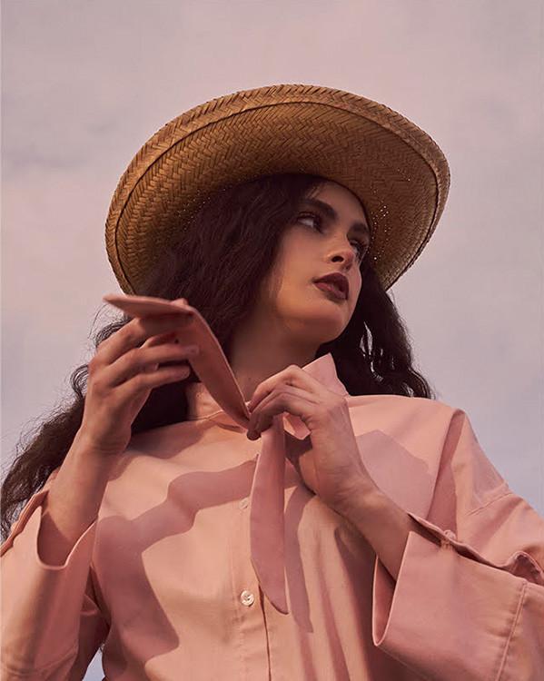 Colección Vaqueras de la marca española de moda sostenible CRUCA. Imagen 5