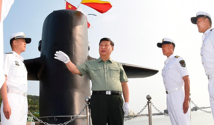 El presidente chino Xi Jinping visita instalaciones militares de la marina del ejército chino