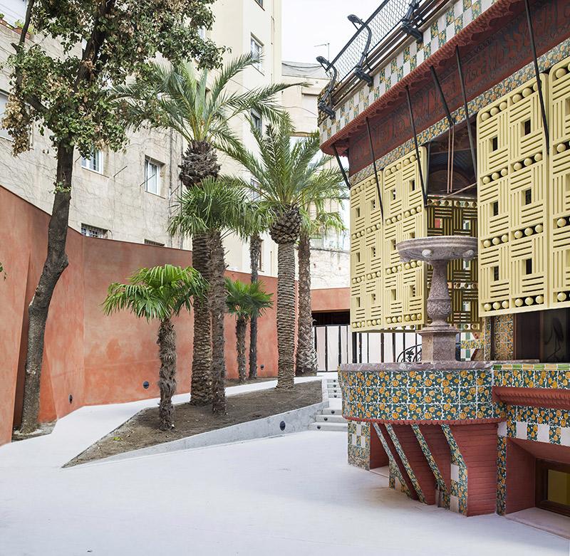 Detalle del patio de la Casa Vicens realizada por el arquitecto catalán Antonio Gaudí en Barcelona