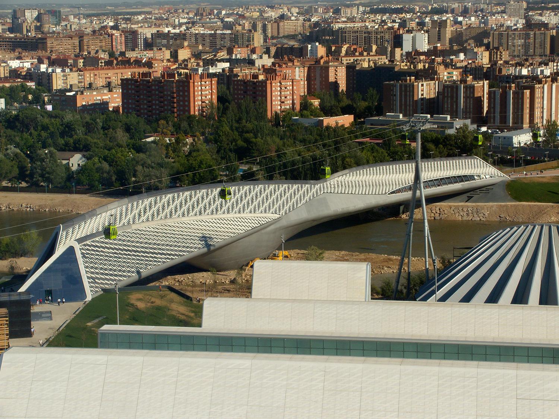 Pabellón Puente de Zaragoza, España