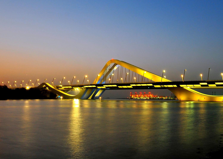 Puente Sheikh Zayed en Abu Dhabi, Emiratos Árabes Unidos