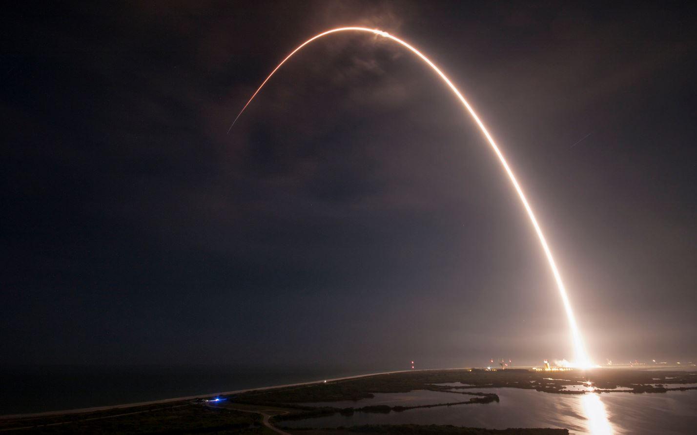 Trayectoria del cohete Falcon 9 desde la plataforma de despegue