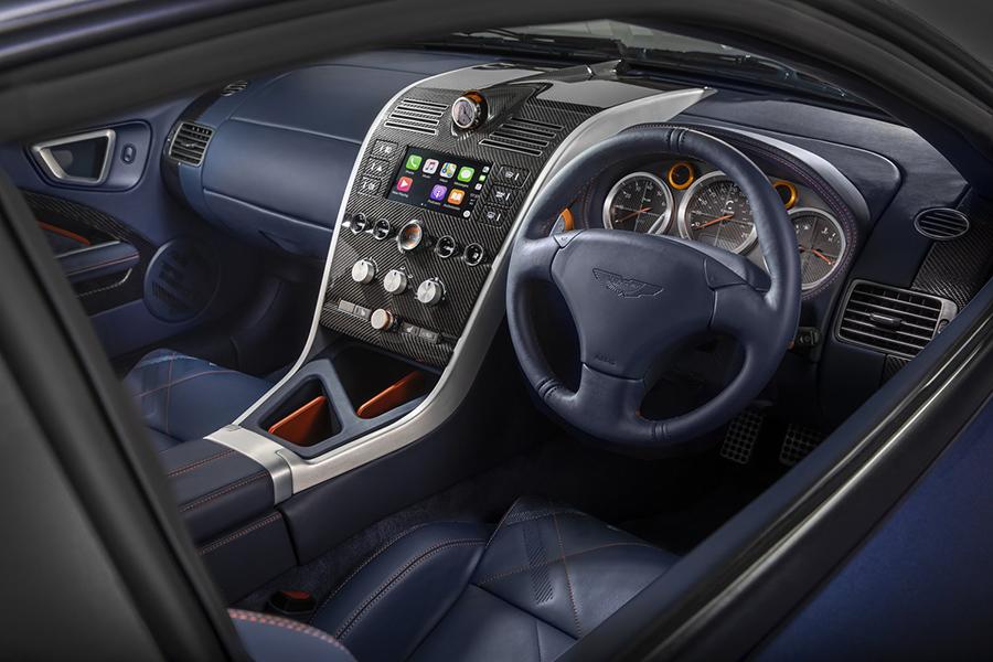 Diseño del interior del coche Aston Martin Vanquish 25 by CALLUM