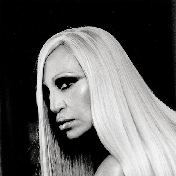 Fotografía de Donatella Versace de Anton Corbijn