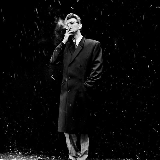 fotografía de David Bowie realizada por el artista holandés Anton Corbijn