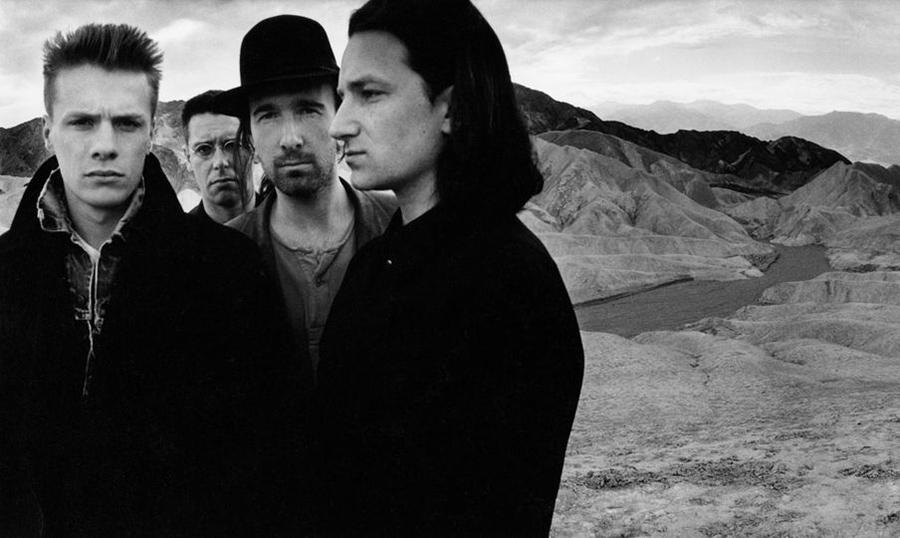 Fotografía promocional del grupo U2 del álbum The Joshua Tree, obra de Anton Corbijn del año 1987