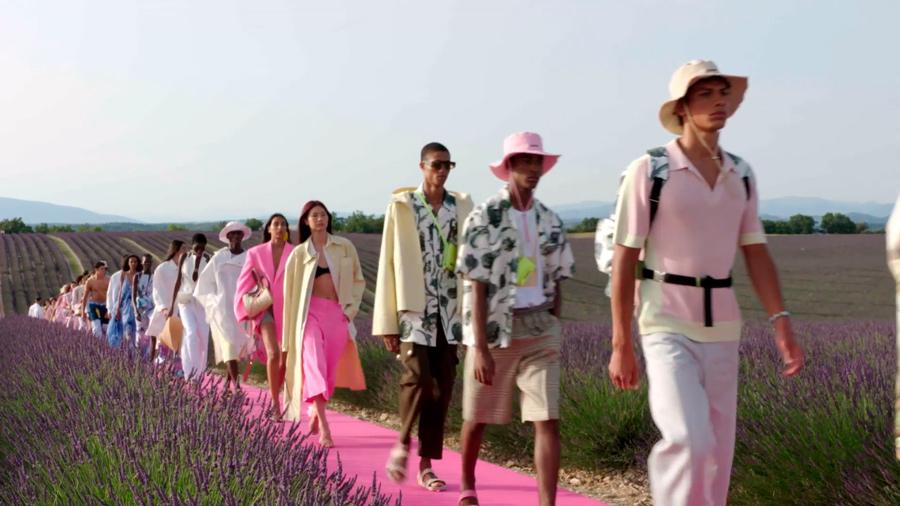 Desfile Jacquemus en campos de lavanda, imagen 1