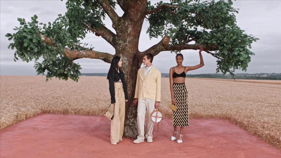 Jacquemus marca de moda francesa colección L'Amour, imagen 2