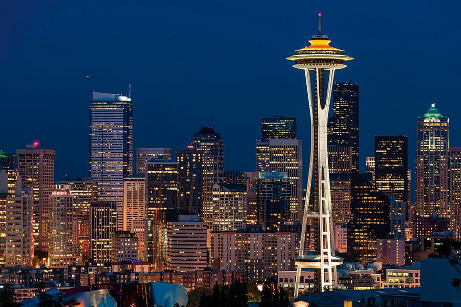 El edificio torre The Space Needle de Seatle es un excelente exponente de la arquitectura de estilo futurista llamada Googie