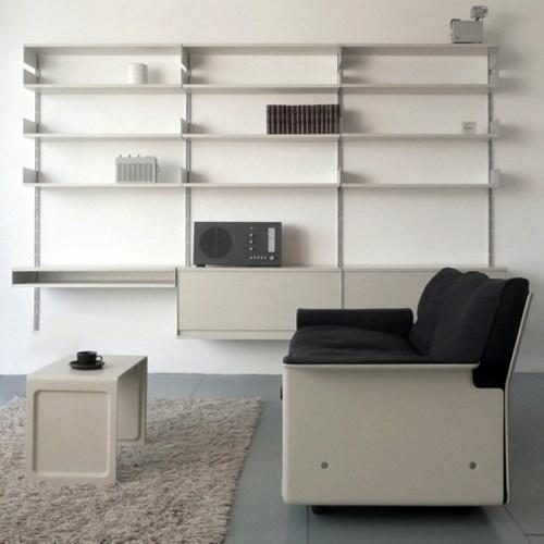 Combinación de la estantería Vitsoe y varios diseños de productos Braun realizados por Dieter-Rams