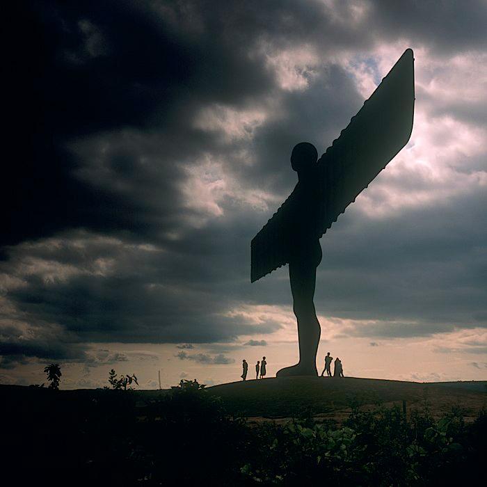 Angel of the North, escultura gigante del escultor inglés Antony Gormley, vista 1