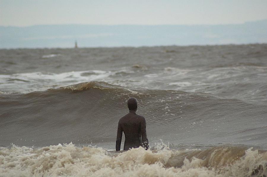 Another Place, instalación artística de Antony Gormley en la playa de Crosby Beach cerca de Liverpool, vista 11