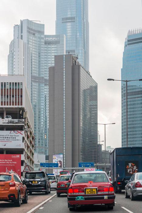 Instalación de Antony Gormley Event Horizon en Hong Kong, vista 1