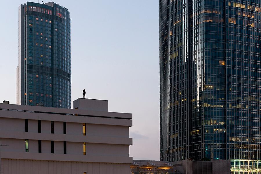 Instalación de Antony Gormley Event Horizon en Hong Kong, vista 16