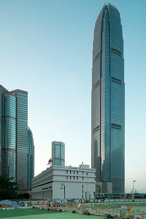Instalación de Antony Gormley Event Horizon en Hong Kong, vista 4