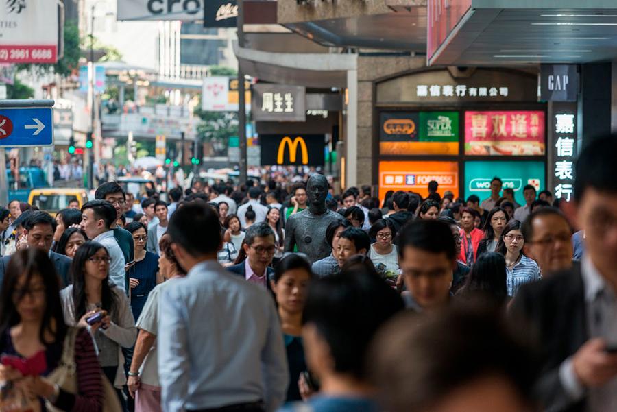 Instalación de Antony Gormley Event Horizon en Hong Kong, vista 5