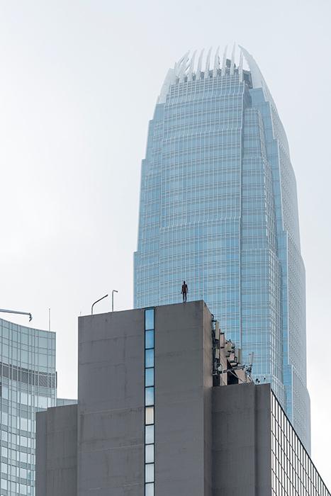 Instalación de Antony Gormley Event Horizon en Hong Kong, vista 6