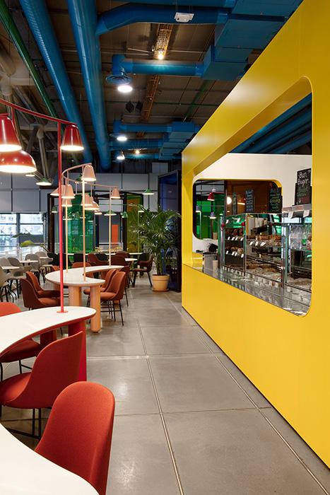 Detalle del proyecto de interiorismo realizado por Jaime Hayon para el Café Le Central en el Centro Pompidou de París