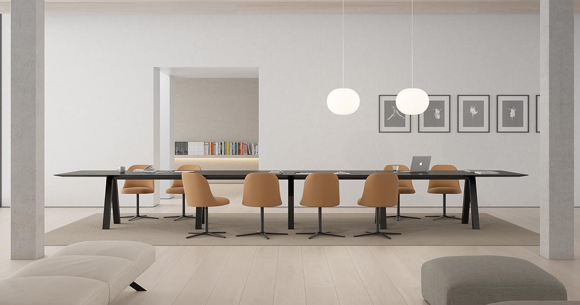 Proyecto de interiorismo realizado con la silla Aleta de Viccarbe diseñada por el diseñador Jaime Hayon