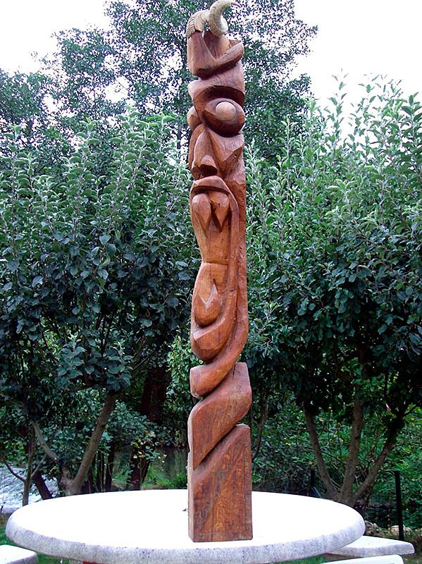 Escultura de Patxi Xabier Lezama tartalo