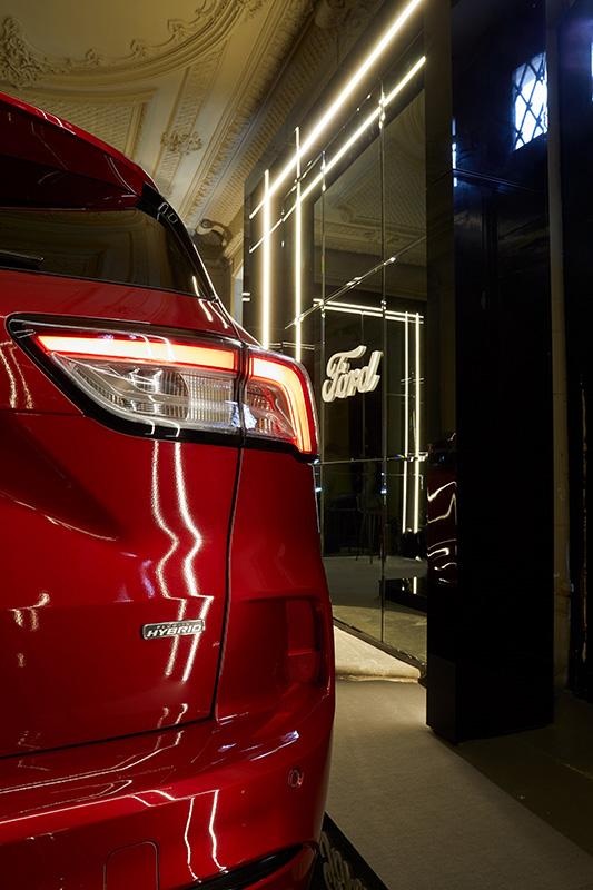 Detalle del nuevo Ford Kuga Plug-in Hybrid presente en el evento de diseño e interiorismo Casa Decor.