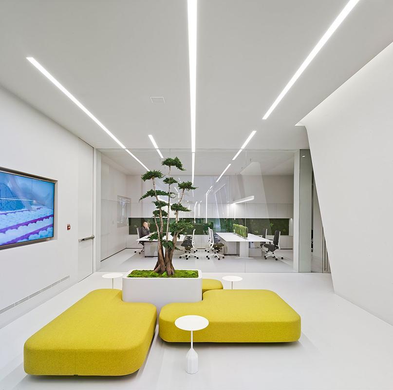 La sede central de Gomarco está equipada con mobiliario de Viccarbe