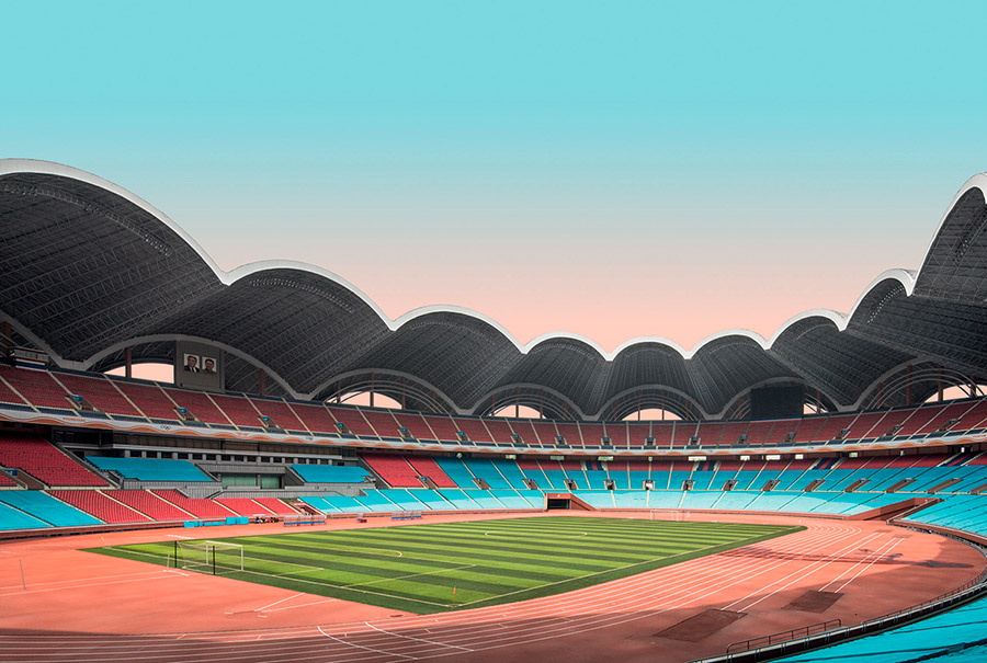 Libro Model City Pyongyang de fotografías de arquitectura de Corea del Norte. May Day Stadium, Rungra Island. The stadium is known for hosting the famous Mass Games